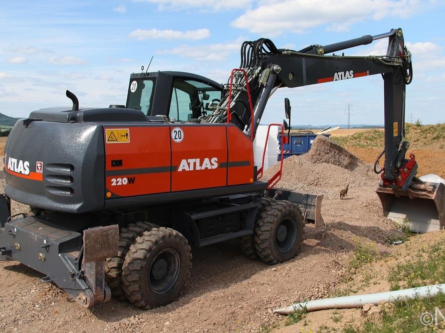 Atlas 220W